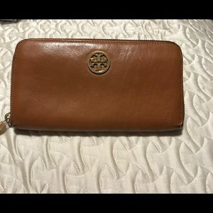 Tory Burch Brown leather zip wallet W  J
